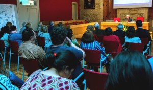 Carlos Valle nun momento da conferencia
