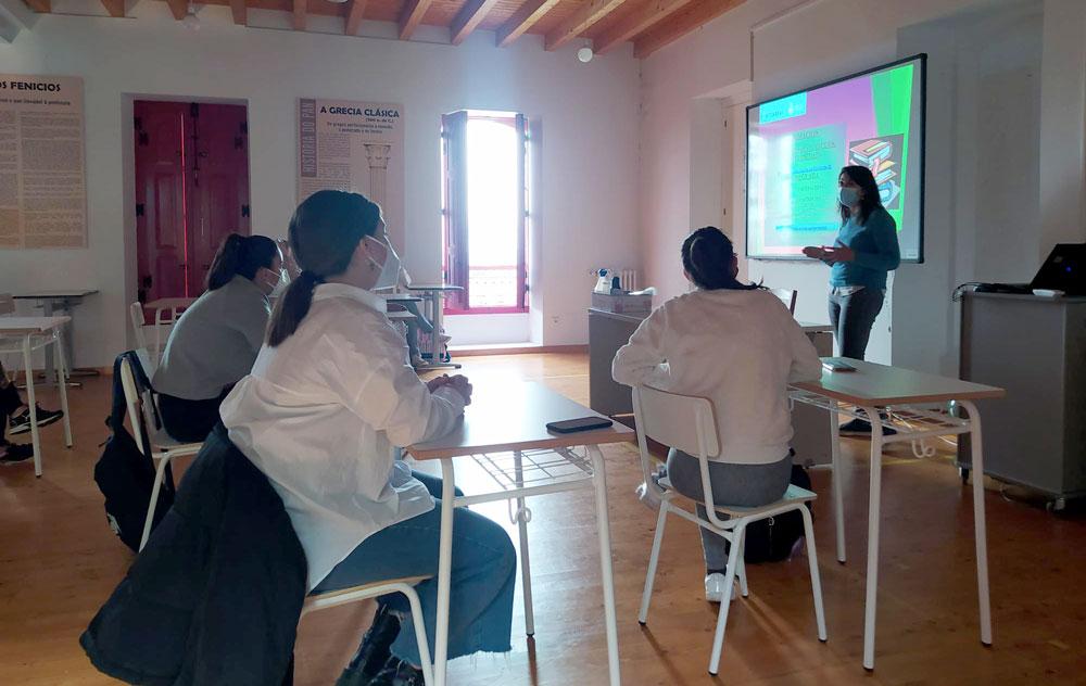 O Concello continúa co labor de orientación laboral para mozas e mozos de Ponteareas e da comarca