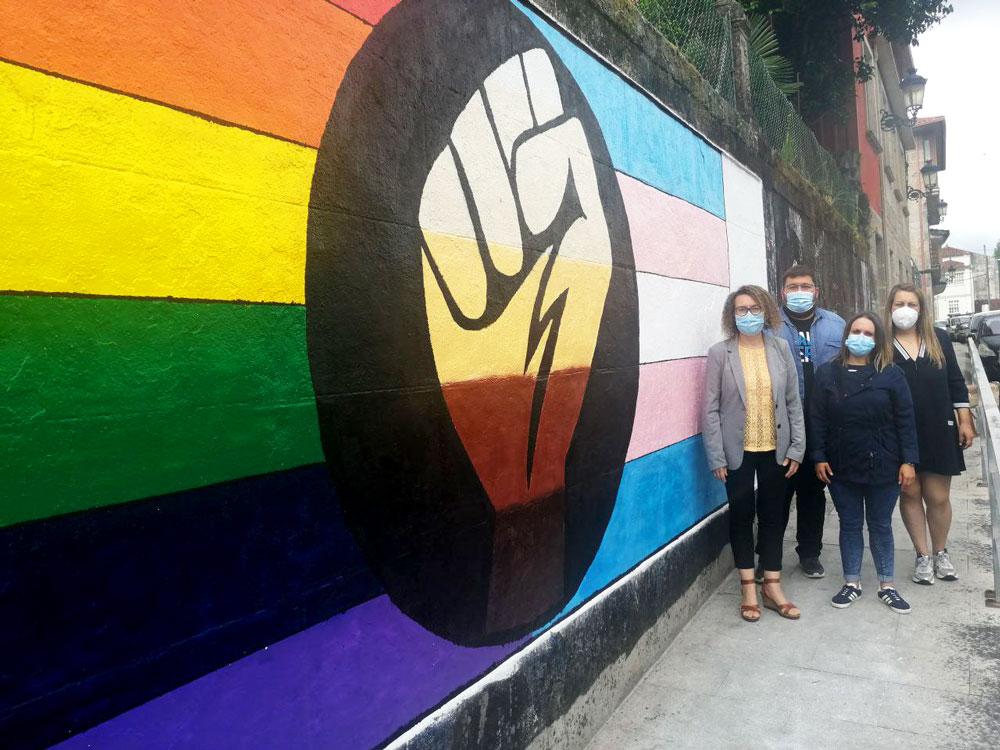 Ducias de persoas concéntrase en Ponteareas polos dereitos da comunidade LGBTQ+