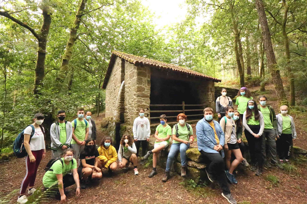 Concienciación e conservación do territorio camiñan da man en Ponteareas co voluntariado ambiental xuvenil